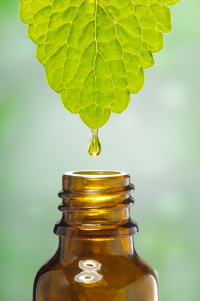essential-oil-with-leaf